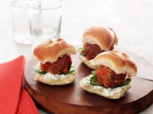 Бутерброды-с-фрикадельками-300x225