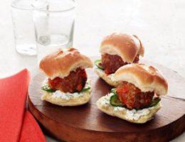 Миниатюра к статье Бутерброды с фрикадельками из баранины