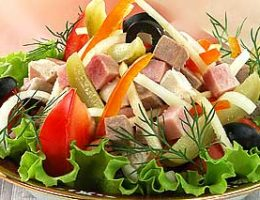 Миниатюра к статье Салат овощной с мясным ассорти