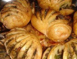 Миниатюра к статье Картошка-гармошка с грибной начинкой.
