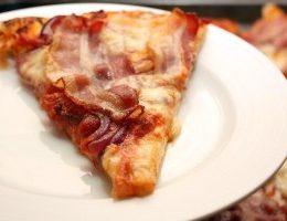 Миниатюра к статье Пицца с беконом