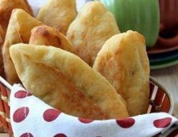 Миниатюра к статье Пирожки из творожного теста с курицей и сыром