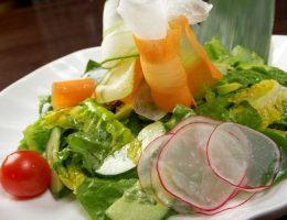 Миниатюра к статье Вегетарианский салат с китайской капустой