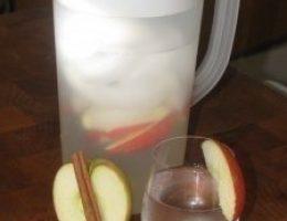 Миниатюра к статье Яблочная вода с корицей — природный ускоритель метаболизма!